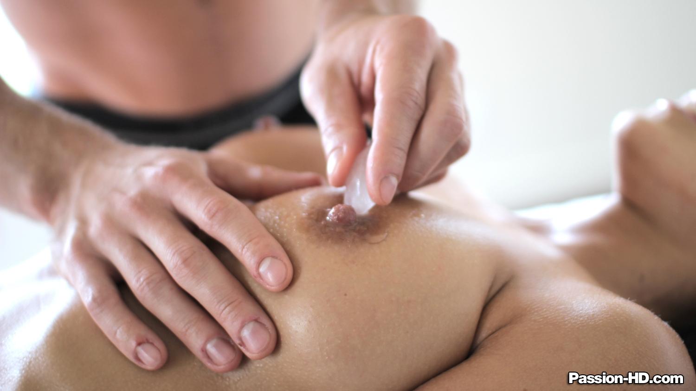 seksualniy-massazh-zhenshine